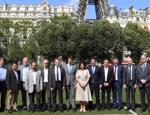 Jean-Lou Blachier, Vice-Président délégué de la CPME signe la  charte sociale pour les Jeux de Paris 2024